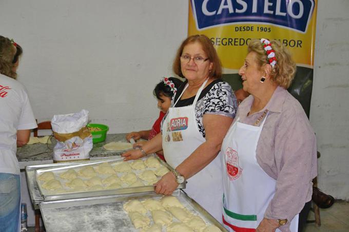 Mammas da São Vito e seus pratos da gastronomia italiana. Foto: Divulgação/SV