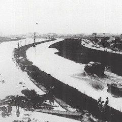 Rio Tietê é retificado e a cidade perde sua mais bela paisagem