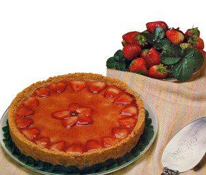 Torta Espelhada de Morango. Receita da Nestlé.