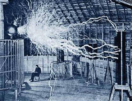 Desenho de Tesla em seu laboratório nos EUA. Modelo foi usado no filme Aprendiz de Feiticeiro, com Nicolas Cage. Foto: Wikipedia