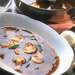 Sopa Japonesa. Receita do chef Jorge Nascimento. Foto: Clóvis Dariano. Produção Ana Lima e Vivian Loureiro.