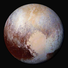 Plutão deslumbra em cores combinadas