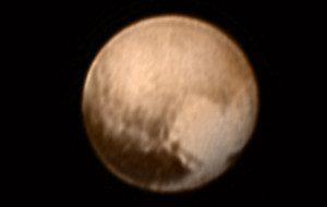 Imagem recebida nesta quarta-feira (8), curiosamente mostra uma forma que se assemelha à figura de um coração. Foto: NASA-JHUAPL-SWRI