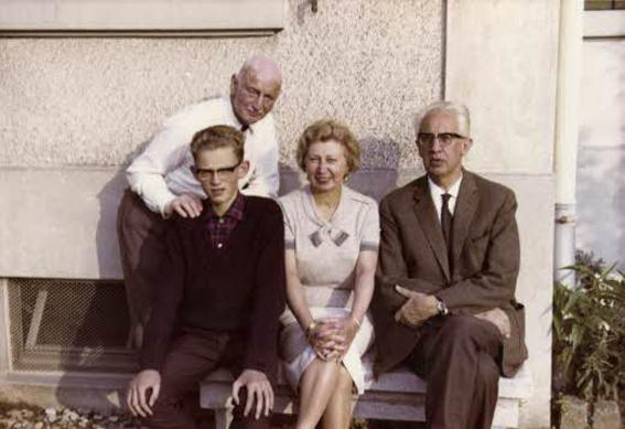 A família Gies em visita a Otto Frank em Basel (Suíça), no verão de 1964. Foto: Miep Gies site