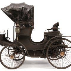 Carros antigos, 1894: Peugeot Phaeton with capote