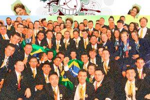 Hipocrisia: presidente Dilma Roussef sorridente ao lado dos jovens campeões brasileiros ao final do WordSkills, em 2 de setembro. Dias depois de posar para as fotos e selfies sorrindo, pede para cortar as verbas dos estudos que os conduziu ao primeiro lugar no evento. Ilustração: aloart