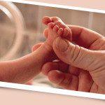 Praticamente tudo o que a mamãe ingere passa para a criança por meio da placenta. Foto: divulgação | aloart+