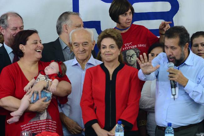 Em reunião do PDT, Dilma diz que país voltará a crescer. Foto: José Cruz/Agência Brasil