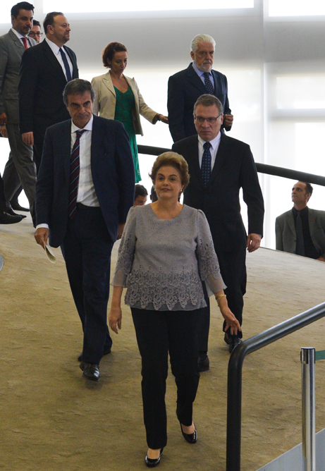 Presidente Dilma Rousseff durante encontro com juristas contrários ao impeachment, no Palácio do Planalto. Foto: José Cruz/Agência Brasil