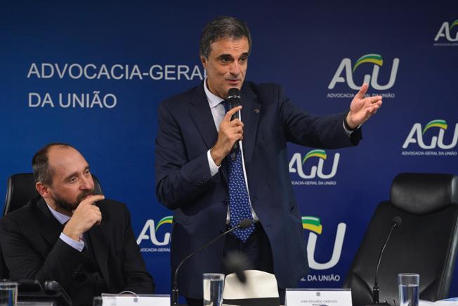 O novo ministro da AGU, Advocacia-Geral da União, José Eduardo Cardozo. Foto: Valter Campanato/Agência Brasil