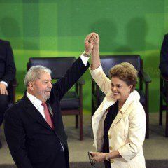 """Lula toma posse sob grito de """"vergonha""""."""