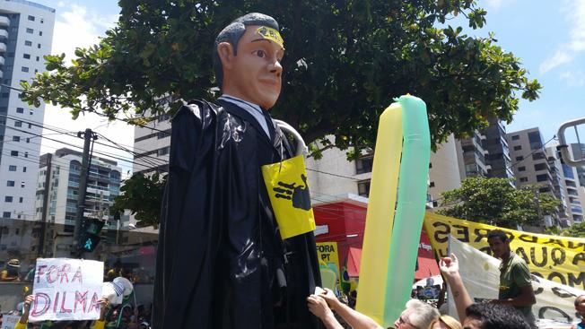 Recife: boneco do juiz Sérgio Moro. Foto: Sumaia Villela/Agência Brasil)