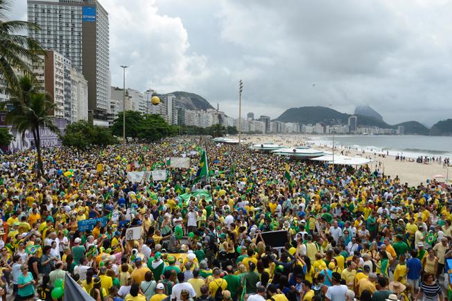 Rio de Janeiro - Manifestação em Copacabana. Foto: Tânia Rêgo/Agência Brasil