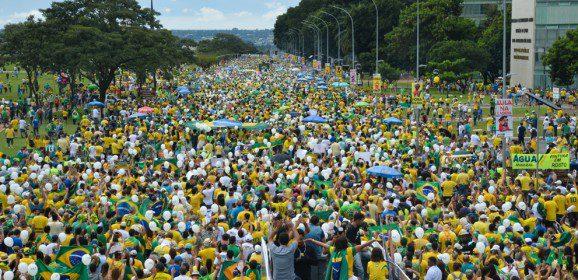 NI e as manifestações no Brasil pelo Impeachment Já!