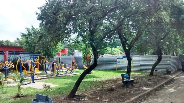 Academia ao ar livre: parque se encontra com funcionamento precário devido às obras. Foto: aloimage