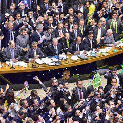 Câmara autoriza instauração de processo de impeachment contra Dilma Roussef