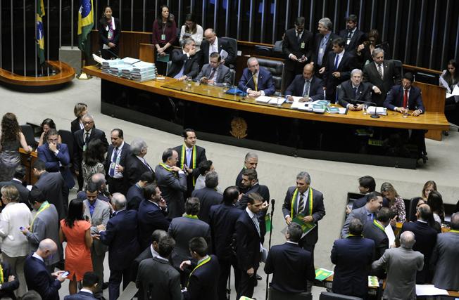 Sessão especial para discussão e votação do parecer do deputado Jovair Arantes (PTB-GO), aprovado em comissão especial, que recomenda a abertura do processo de impeachment da presidente da República.   Foto: Alex Ferreira / Câmara dos Deputados