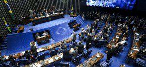 Brasília - Senadores se reúnem em plenário para eleição da comissão especial que analisará a admissibilidade do pedido de impeachment da presidente Dilma Rousseff. Foto: Marcelo Camargo/Agência Brasil