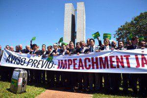 Brasília - Deputados da oposição fazem ato pró-impeachment em frente do Congresso Nacional e do Palácio do Planalto (Antonio Cruz/Agência Brasil)