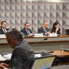CEIS: sessão é reaberta após discussão de senadores, ao vivo