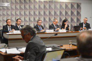 Brasília - Comissão Especial do Impeachment no Senado durante reunião para ouvir especialistas favoráveis ao afastamento da presidenta Dilma Rousseff . Foto: Antonio Cruz/Agência Brasil
