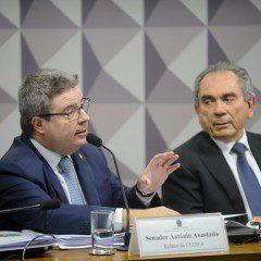 Anastasia dá parecer favorável a impeachment de Dilma