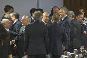 Brasília - O presidente interino Michel Temer chega para apresentar as primeiras medidas econômicas para reequilibrar as contas do governo. Foto: José Cruz/Agência Brasil