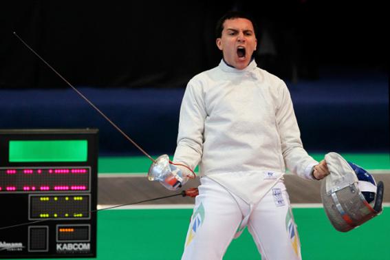 Renzo Agresta é um dos atletas mais experientes da esgrima brasileira (Foto: Getty Images/GuidoManuilo)