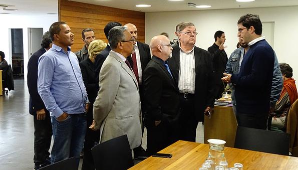 Vereadores são recebidos pelo atual diretor-geral e interventor Paulo Dallari. Foto: Luiz França / CMSP