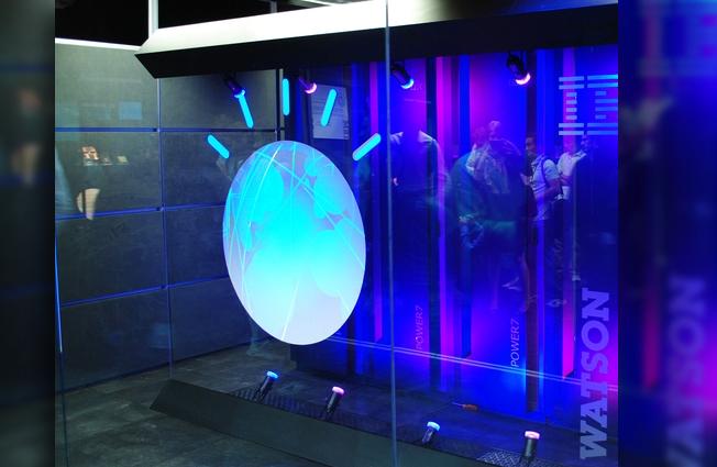Cenário prevê a incorporação de novos sensores portáteis e de supercomputadores, com enorme capacidade de processamento, compartilhamento e mineração de dados. Foto: Supercomputador Watson/Wikimedia Commons
