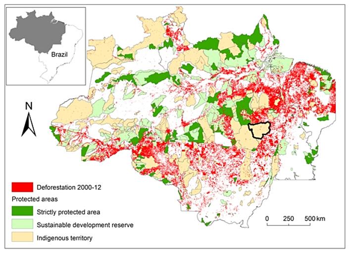 O território caiapó, cercado por áreas desflorestadas. Imagem: Arquivo da pesquisadora.