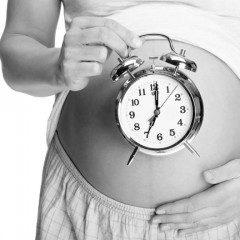 Mulheres maduras podem engravidar mas os riscos são bem maiores, conheça-os