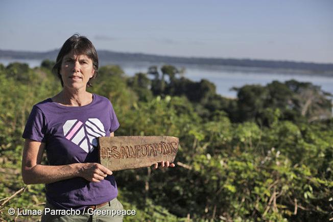 A Diretora Executiva Internacional do Greenpeace visitou a Terra Indígena Sawré Muybu, do povo Munduruku, que está ameaçada pela construção de um complexo hidrelétrico no Rio Tapajós, no Pará. Foto: © Lunaé Parracho / Greenpeace