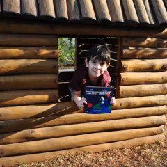 Aos 6 anos de idade, morador do Tatuapé, escreve seu primeiro livro bilingue