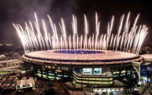 Fogos de artifício prometem emocionar o público presente no Maracanã. Foto: Getty Images/Buda Mendes