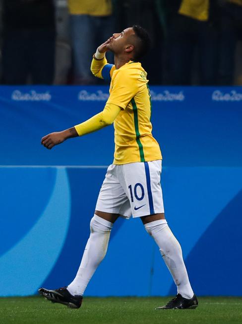 Neymar e o gol da redenção. Foto: Getty Images/Alexandre Schneider