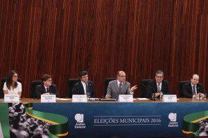 Brasília - O presidente do TSE, ministro Gilmar Mendes, fala sobre o resultado do segundo turno das eleições municipais de 2016. Foto: Marcello Casal Jr/Agência Brasil