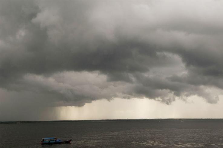 Pesquisadores do experimento GoAmazon descrevem na revista Nature o papel das nuvens como transportadoras de partículas entre a superfície do planeta e a alta atmosfera; novo conhecimento deve aprimorar modelos climáticos. Foto: Eduardo César