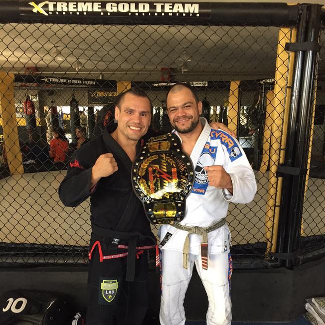 """Mestre Jorge Patino """"Macaco"""", líder da Gold Team Mundial e Mestre Fabiano """"Pedra"""" Victorino, líder da Xtreme Gold Team. Foto: divulgação / arquivo pessoal"""