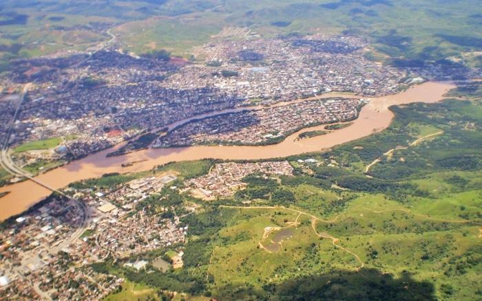 Pesquisadores avaliam aplicação de modelo computacional em sistema de previsão e alerta de desastres hidrológicos na bacia do rio Doce, que abrange mais de 200 municípios. Foto: Wikimedia Commons