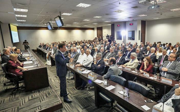 Questionado sobre o grande número de desempregados nos setores paulistanos do varejo, atacado, serviços e turismo, Doria expressou preocupação para 2017. (Foto: Miguel Schincariol/TUTU)