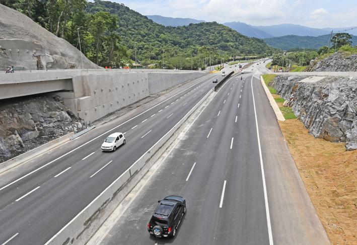 Governo entregou nova faixa da rodovia Padre Manoel da Nóbrega no último dia 22/12.  Foto: Gilberto Marques/A2img