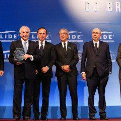 Presidente Temer recebe homenagem em São Paulo