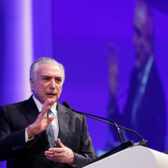 Temer recebe prêmio do LIDE em SP, enquanto popularidade do seu governo cai