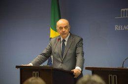 José Serra pede demissão do Itamaraty por problemas de saúde