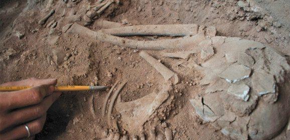 Cenas de um sítio arqueológico, vídeo
