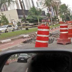 Tatuapé: obra largada na metade na Av. Ver. Abel Ferreira agrava congestionamentos