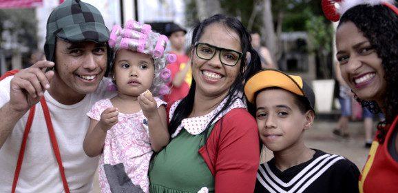 São Paulo mais que dobra população de foliões