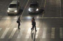 Em SP, 97,8% dos idosos não conseguem atravessar a rua no tempo dos semáforos