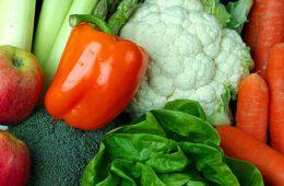 Alimentos continuam retraindo a inflação em julho, diz IBGE